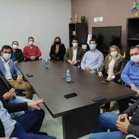 Prefeito recebe visita dos membros da Associação Médica de Caraguatatuba