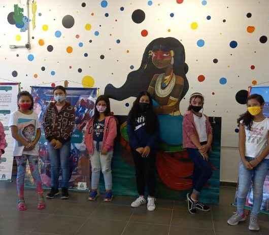 Escola de Caraguatatuba recebe exposição itinerante sobre folclore e lendas locais