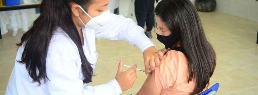 Caraguatatuba aguarda novas doses para continuar vacinação da população maior de 18 anos contra Covid-19