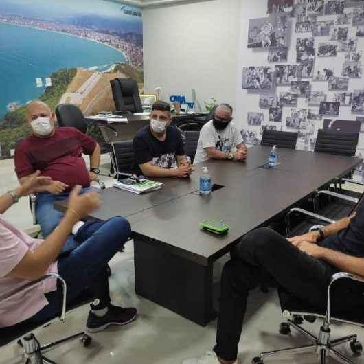 Thiago Camilo, piloto da Stock Car, organiza campeonato de Futevôlei em Caraguatatuba