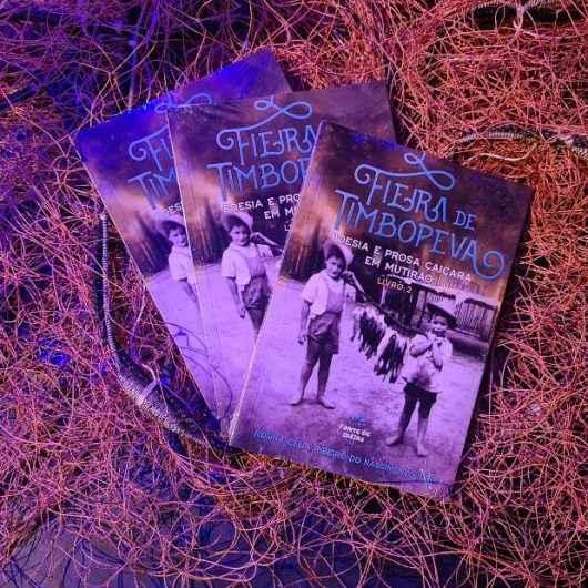 Bate-Papo Cultural da FUNDACC recebe lançamento do segundo livro do grupo de poesia Fieira de Timbopeva
