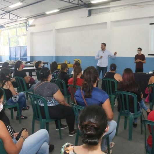 Prefeitura de Caraguatatuba recepciona aprovados do Programa Bolsa Trabalho