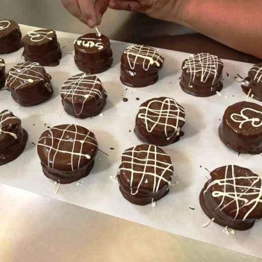 Pão de mel, bolo e cookie são alguns itens ensinados no curso de Produtos de Confeitaria para Cafeterias