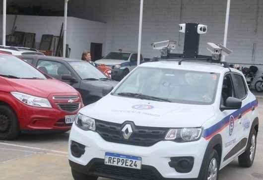 Entra em operação carro com câmera que vai fiscalizar a Zona Azul em Caraguatatuba