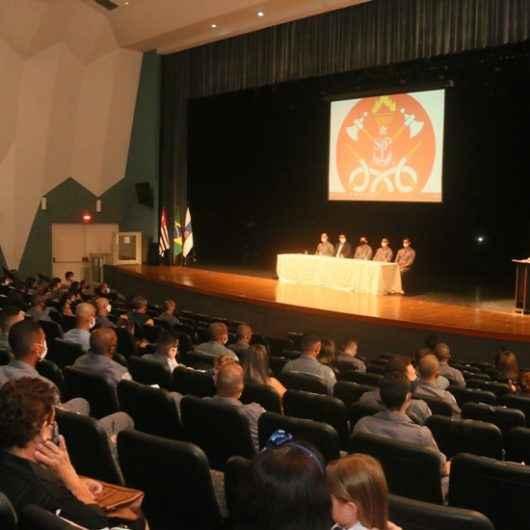 Prefeito de Caraguatatuba participa de homenagem a Guarda-Vidas