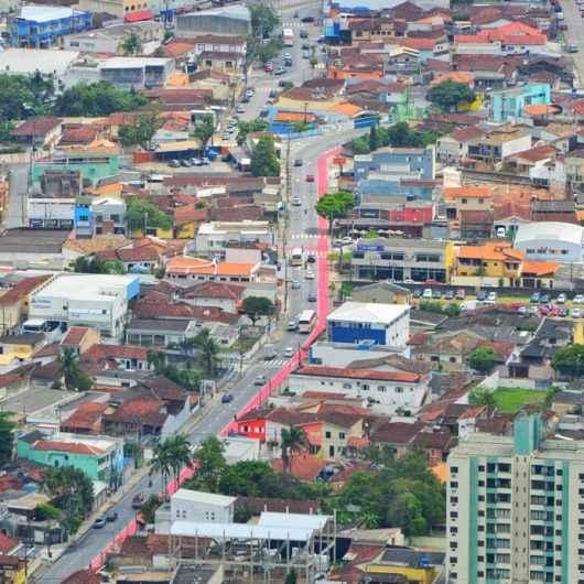Prefeitura de Caraguatatuba reforça pintura e sinalização nas ciclofaixas