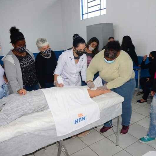 Moradores do Nova Caraguá II concluem cursos de Limpeza de Pele e Depilação oferecidos pela Prefeitura, SESI e CEF