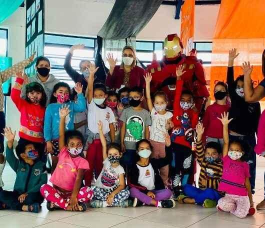 Educação de Caraguatatuba desenvolve ações com participação de super-herói no combate à dengue