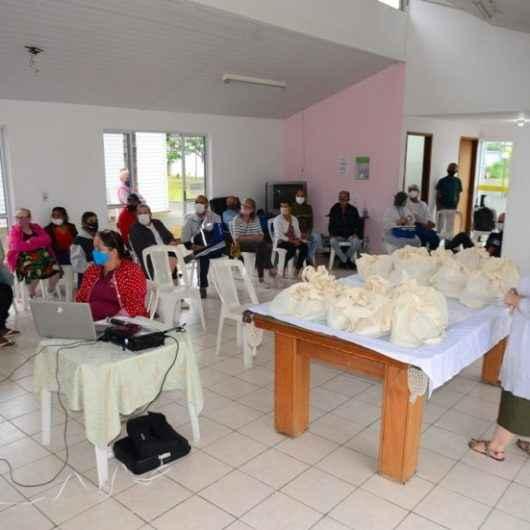 Moradores do programa Vila Dignidade comemoram Dia do Idoso